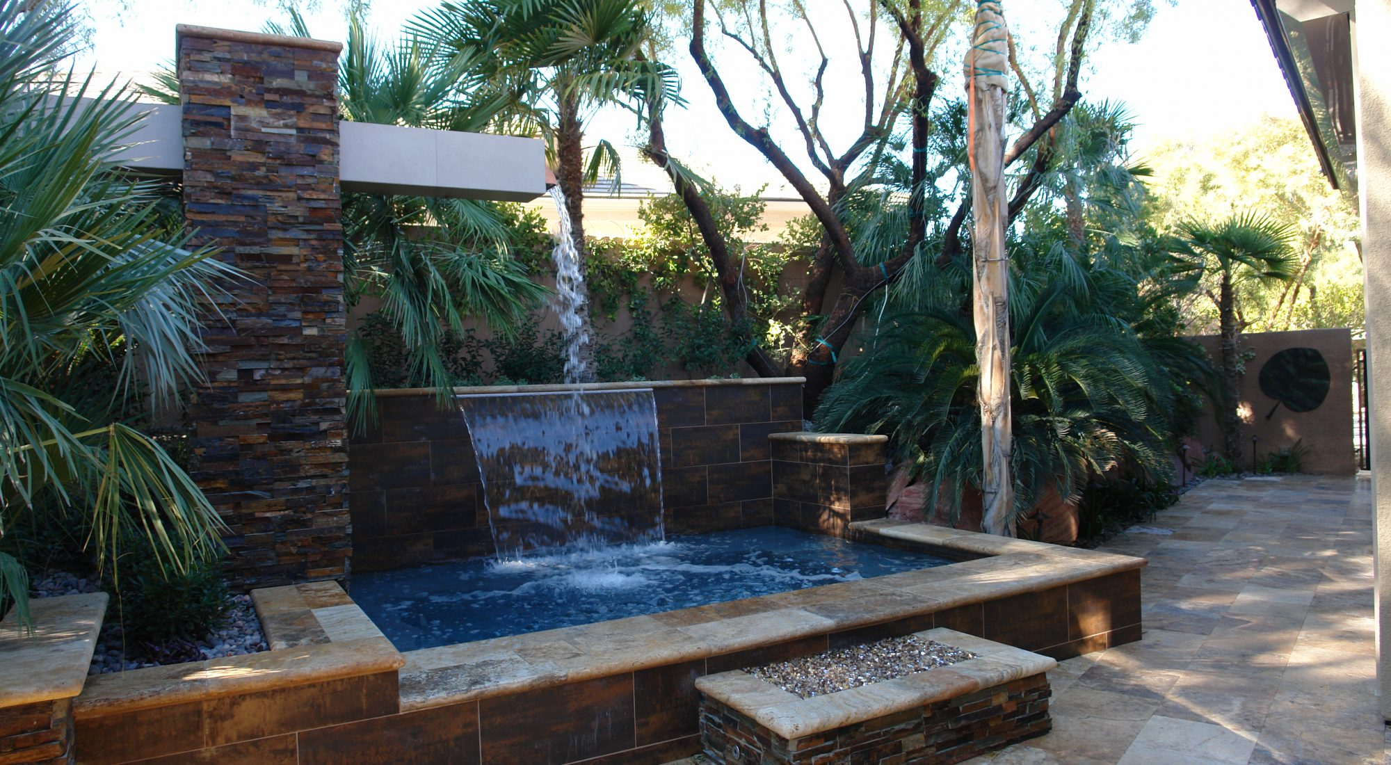 custom pool company – design by Damon Lang – Green Planet Landscaping and Pools Inc.
