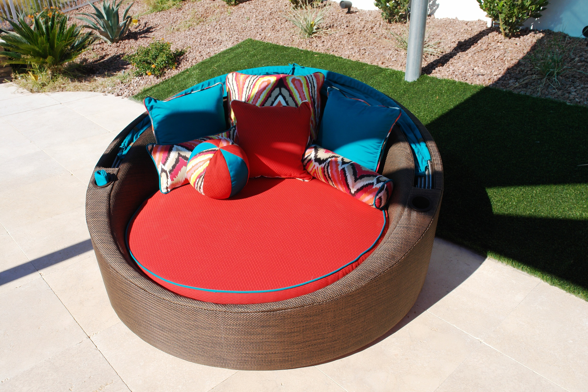 Custom Outdoor Furniture Design. Minimalist Design Las Vegas